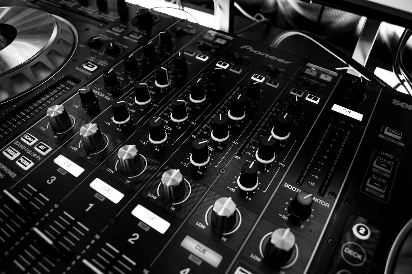 Ремонт аудио-техники
